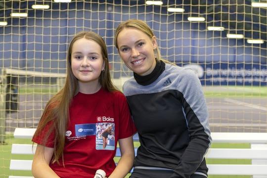 14-årige Esther fra Køge i jubilæums-spil med Caroline Wozniacki